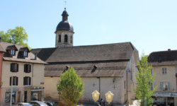 Bienvenue au Pont-de-Beauvoisin - Place de l'Hôtel de Ville et Eglise
